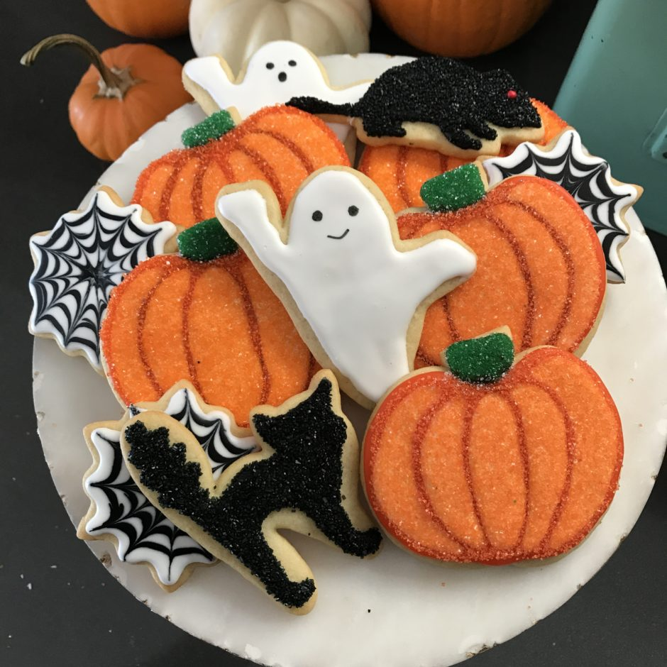 Sparkly Pumpkin Black and White Halloween Cookies